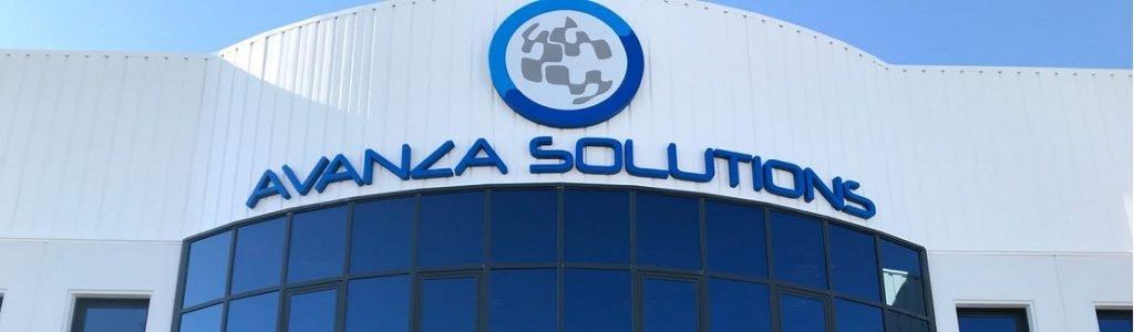 Fachada oficinas de Avanza Solutions expertos en redes de fibra óptica